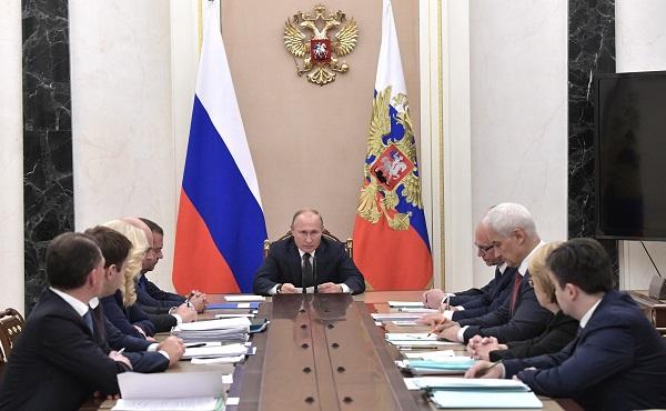 Владимир Путин, выплаты медикам, модернизация, первичное здравоохранение, поручения президента, проблемы здравоохранения