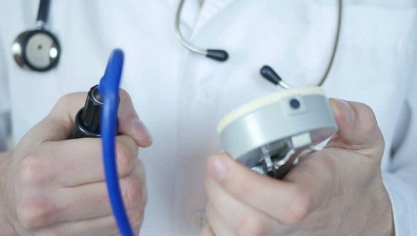 офисные врачи, производственные медпункты, цеховые врачи
