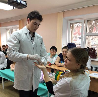 ВБМК, Владивостокский базовый медицинский колледж, Владимир Войновский, медицинское образование
