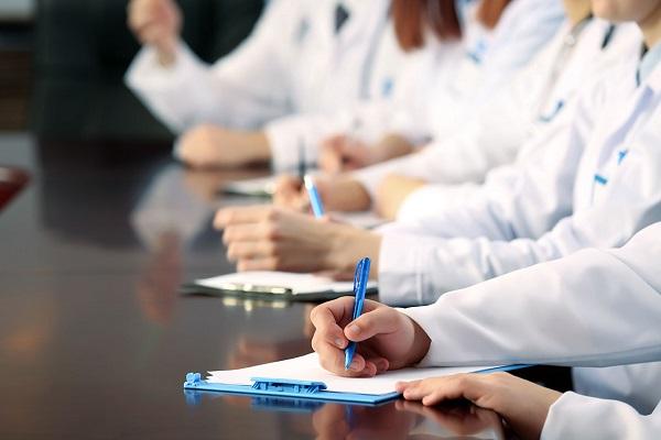 Аккредитация и повышение квалификации медиков