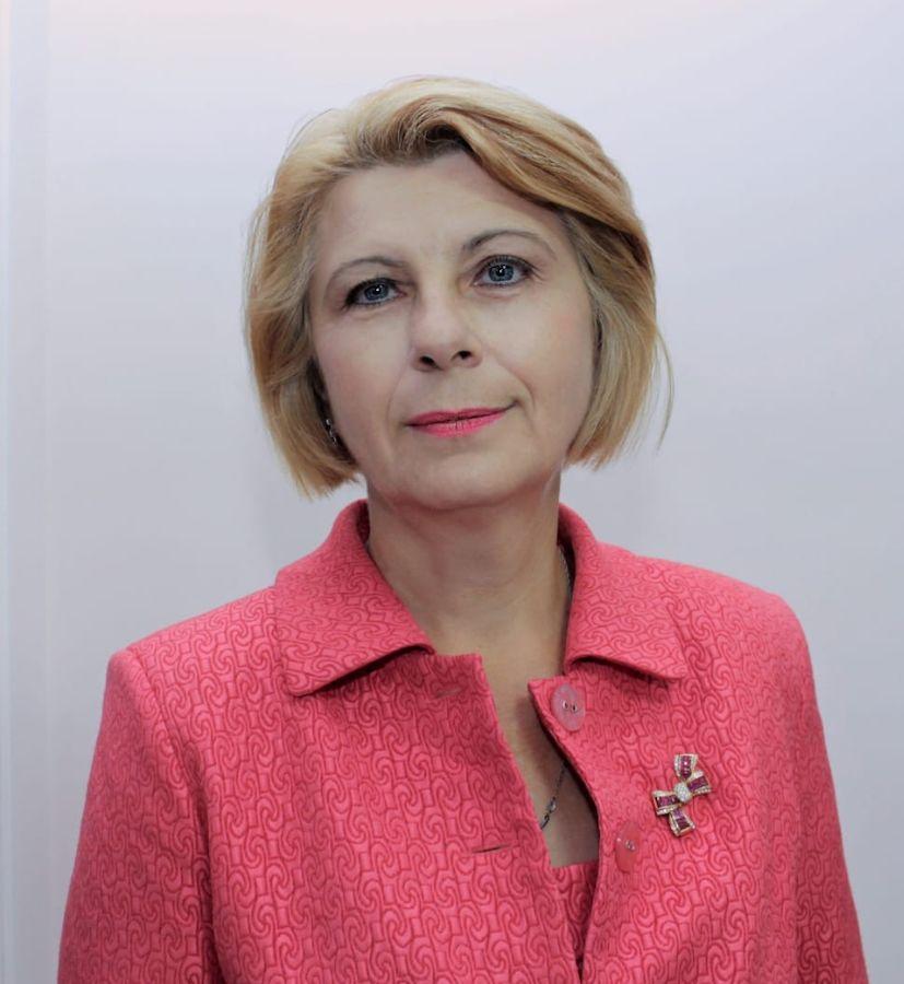 Артемовская городская больница №2, Ирина Сенотрусова