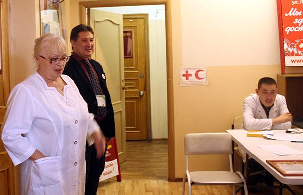 Вадим Олейник, Вера Курченко, Владивостокская поликлиника №3