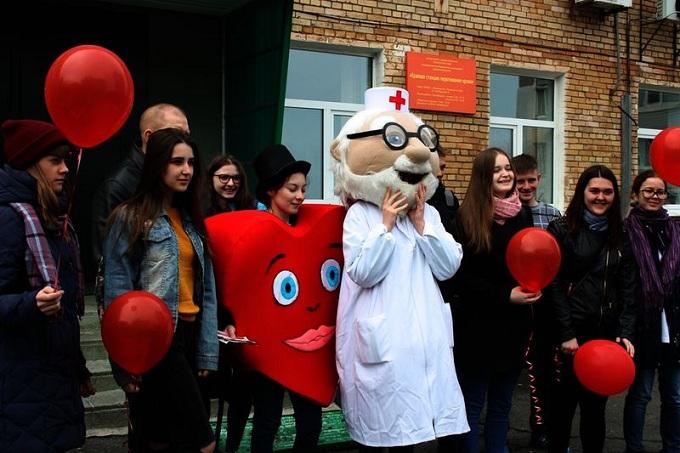 ВСаратовской области вДень донора заготовили 54 литра крови