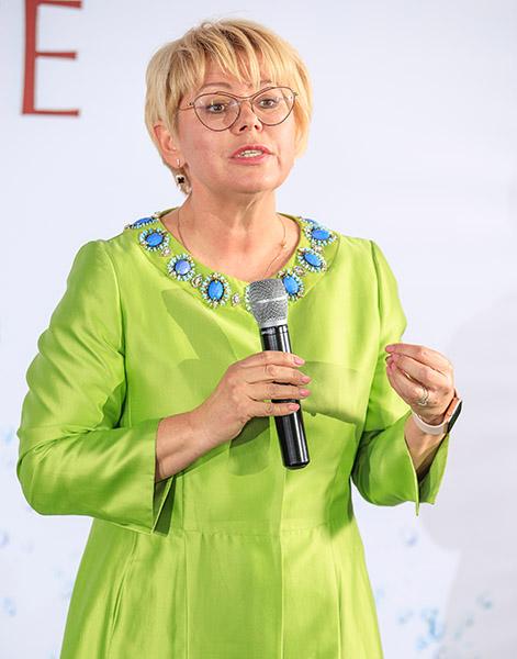 Елена Маркелова, Профессорская клиника Юцковских, Яна Юцковская