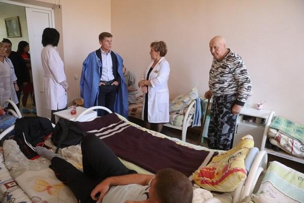 Арсеньевская городская больница, Людмила Аплюшкина, Олег Кожемяко