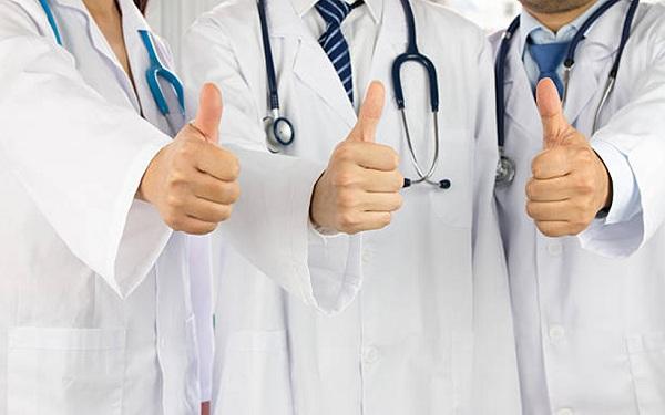 выплаты медикам, кадровый голод, компенсация ЖКХ, льготы, Олег Кожемяко, проблемы здравоохранения