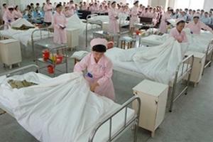 Китай планирует удвоить количество врачей общей практики к 2020 году