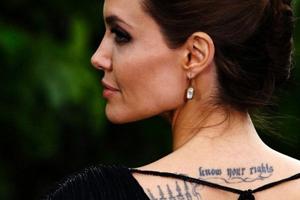 Из-за моды на татуировки резко сокращается число доноров крови