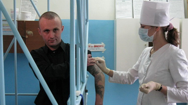 ФСИН и Минздрав делят врачей