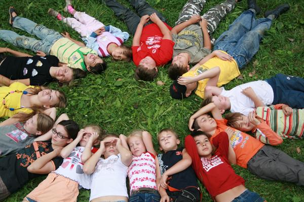 Детские лагеря пропустят через реестр